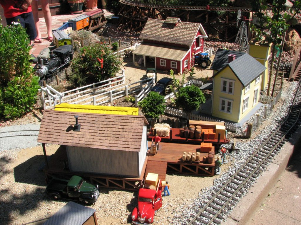 Garden Railroad Tour 2017 Benefit Community Food Bank of San Benito County
